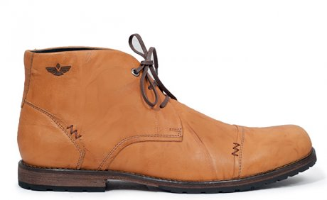 Pinto Chukka Boot in Tan, hand-made in Peru by Fortress of Inca